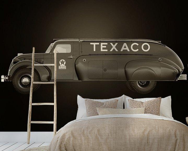 Sfeerimpressie behang: Dodge Airflow Tanker 1938 van Jan Keteleer