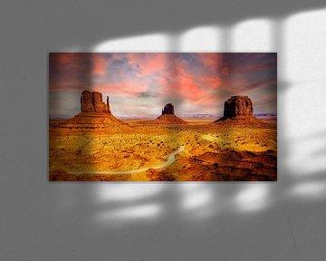 Tafelbergen van zandsteen in Monument Valley in Arizona USA van Dieter Walther