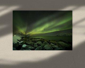 Polarlicht über Felsformationen in Norwegen von Marco Verstraaten
