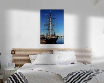 Segelschiff im Hafen von Norbert Sülzner