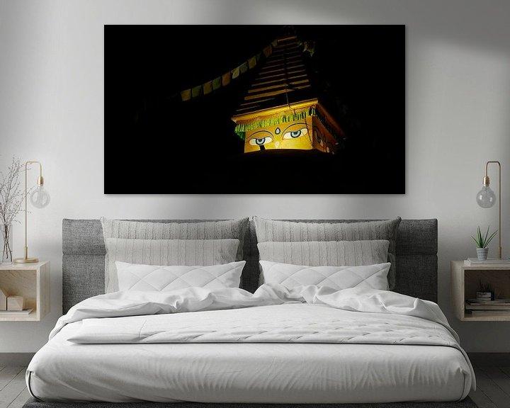 Sfeerimpressie: Boeddha kijkt naar je. van Timon Schneider