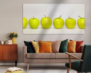 Groene appels op een rij van Achim Prill