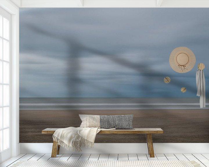 Sfeerimpressie behang: Sobere en abstracte strandfoto van Jim De Sitter