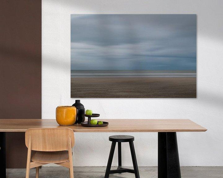 Sfeerimpressie: Sobere en abstracte strandfoto van Jim De Sitter