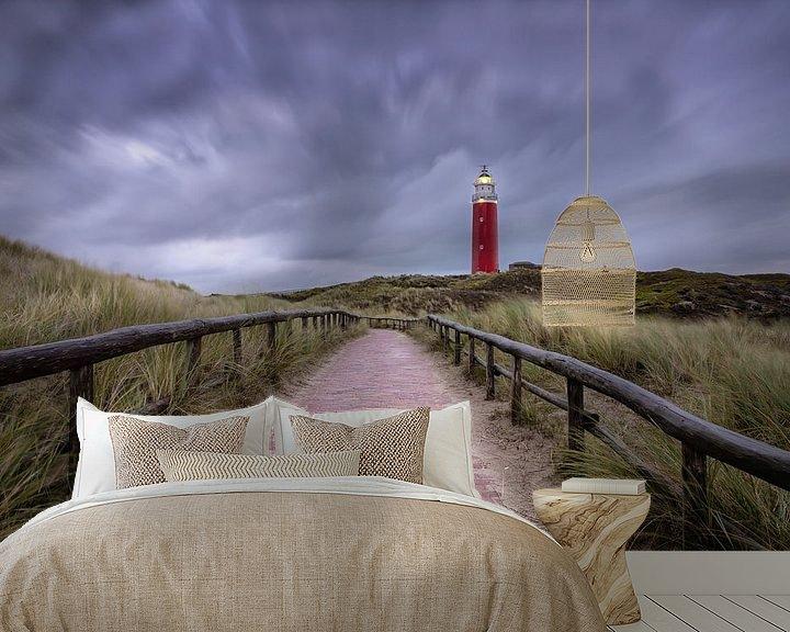 Sfeerimpressie behang: Texelse vuurtoren, strom lucht. van Justin Sinner Pictures ( Fotograaf op Texel)
