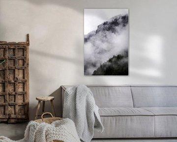 Mist in de bergen van Anouschka Hendriks