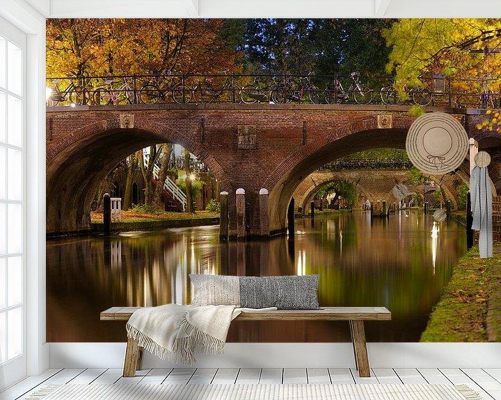Sfeerimpressie behang: Smeebrug over de Oudegracht in Utrecht van Donker Utrecht