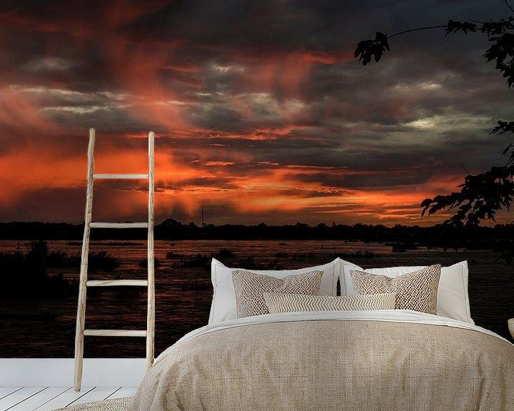 Sfeerimpressie behang: Zonsondergang over de Mekong - 3 van Theo Molenaar