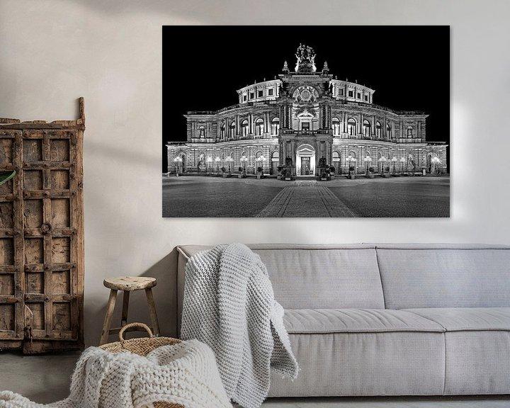 Sfeerimpressie: Semper Operagebouw Dresden bij nacht van Frank Herrmann