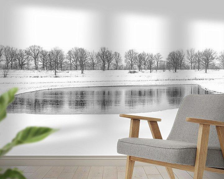 Sfeerimpressie behang: Winters meer van Mark Bolijn