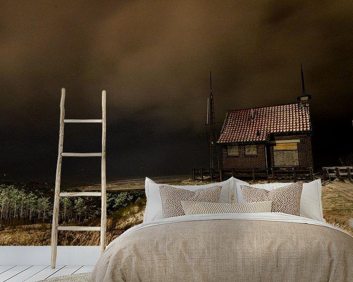 Sfeerimpressie behang: Uitzicht over de Waddenzee en het seinhuisje van Marjolein van Roosmalen
