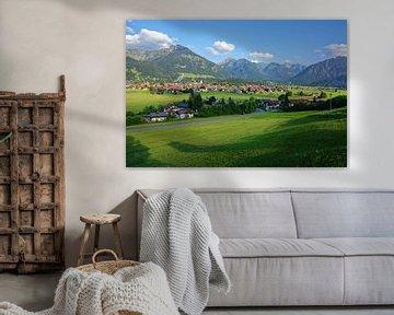 Uitzicht op Oberstdorf van Gisela Scheffbuch