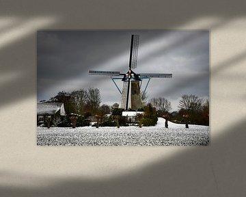 Oude molen in sneeuwlandschap van bart hartman