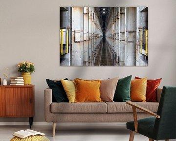 Symmetrie in einer verlassenen Fabrik von Kristof Ven