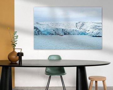 Rib boot en gletsjer bij Jökulsárlón in IJsland van Teun Janssen