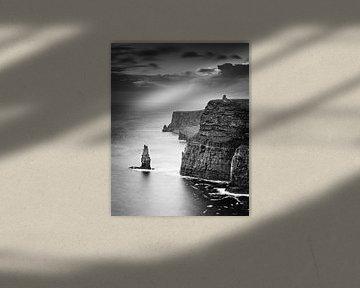 Die Cliffs of Moher in schwarz und weiß