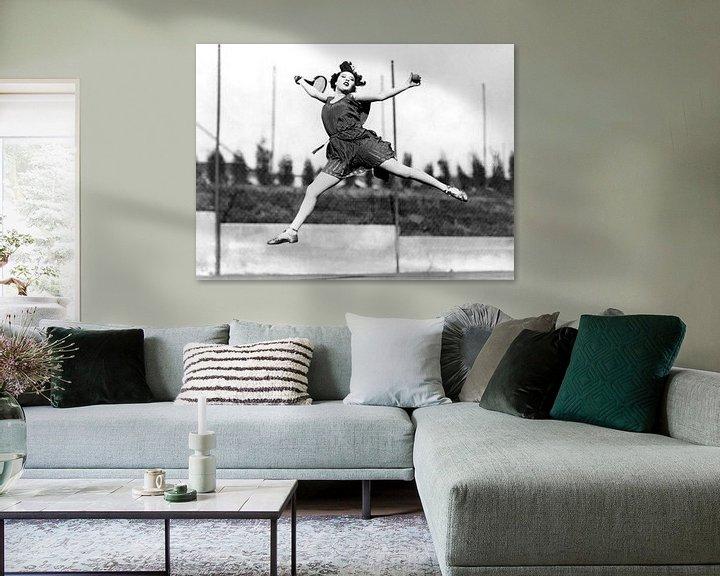Beispiel: Leaping Tennis Woman, Hollywood, California, 1927 (b/w photo) von Bridgeman Images
