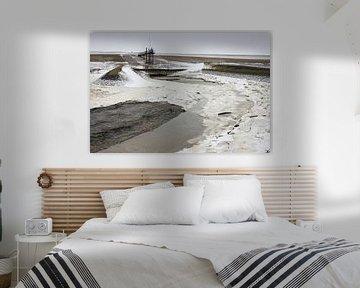 Winterliches Wattenmeer bei Roptazijl. Eisschollen treiben auf dem Wasser des Wattenmeeres in der Nä von Meindert van Dijk