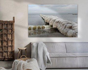 Vereiste Buhne in der Ostsee von Alphapics
