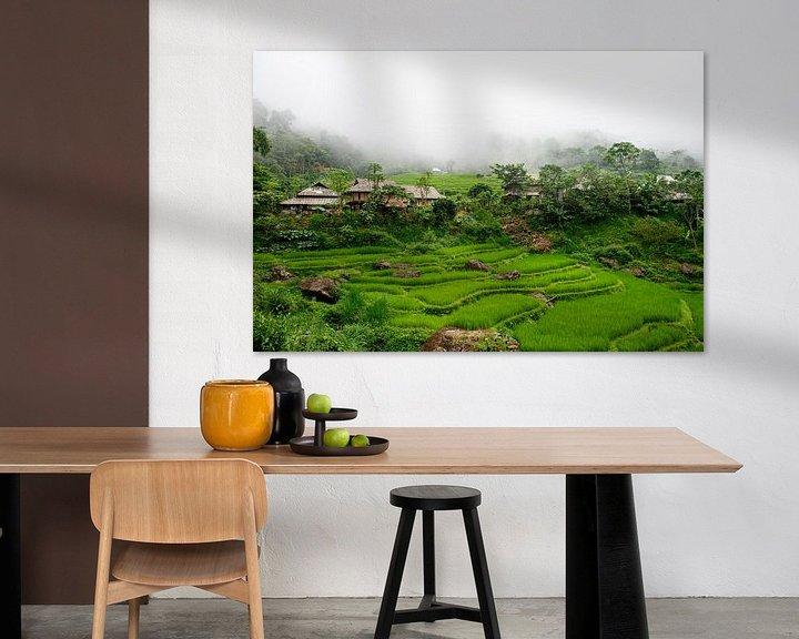 Sfeerimpressie: Bergdorpje met rijstvelden in Pu Luong, Vietnam van Ellis Peeters