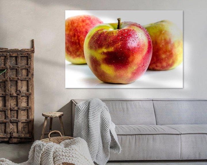 Sfeerimpressie: 3 sappige verse Jonagold appels vrij bord op wit van Dieter Walther