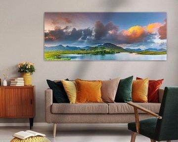 Panorama eines Sonnenuntergangs in der Connemara
