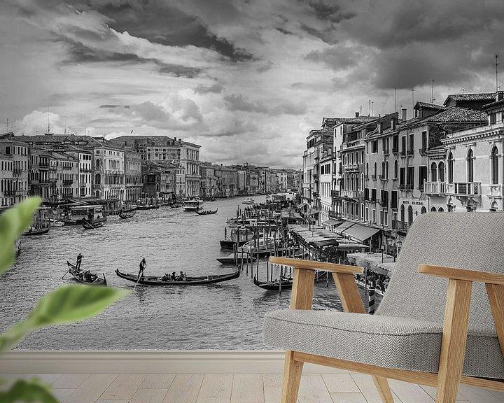 Sfeerimpressie behang: VENICE 06 van Tom Uhlenberg