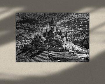 Reichsburg Cochem in schwarz-weiß