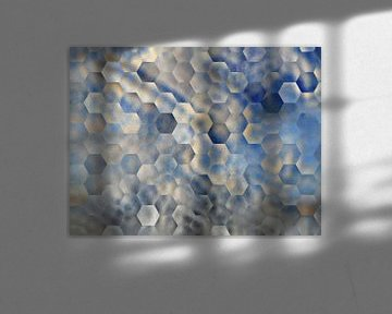Abstraktes Sechseckmuster in Blau- und Beigetönen von Maurice Dawson