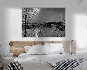 Brücke über unruhiges Wasser von Roland's Foto's