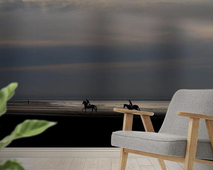 Sfeerimpressie behang: Paarden op het strand. van Henri Boer Fotografie