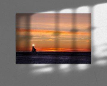 De vuurtoren van Marken, het Paard van Marken, tijdens de zonsopkomst in de winter van Studio de Waay