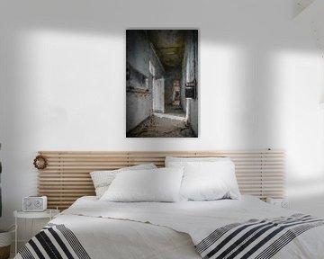 Die Halle eines verlassenen Flughafengebäudes von Digitale Schilderijen