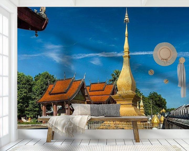 Sfeerimpressie behang: Luang Prabang - Vat Sensoukaram van Theo Molenaar