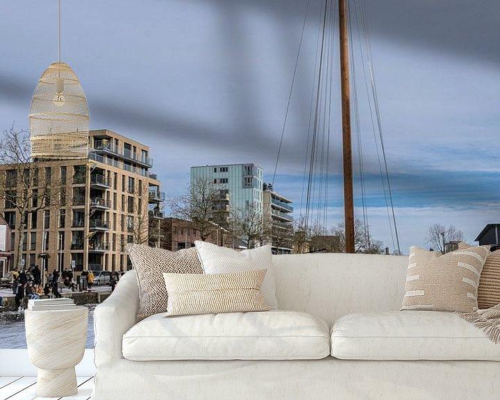 Sfeerimpressie behang: Winterpret aan de Piushaven van Freddie de Roeck