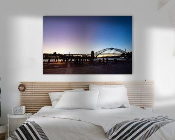 De laatste zonnestralen over de haven van Sydney van hugo veldmeijer