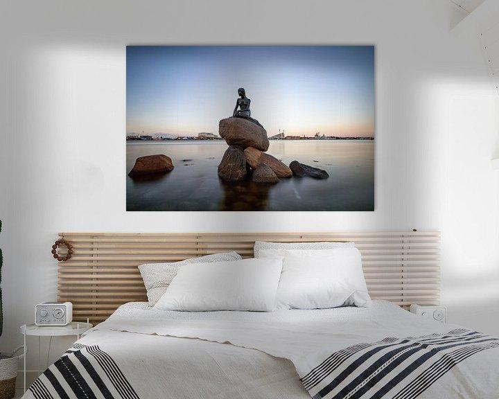 Sfeerimpressie: Het beeld van de zeemeermin in Kopenhagen van hugo veldmeijer