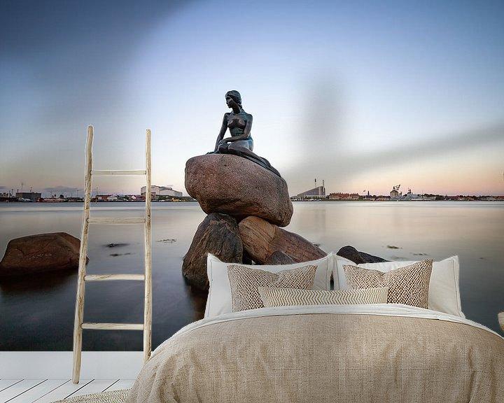 Sfeerimpressie behang: Het beeld van de zeemeermin in Kopenhagen van hugo veldmeijer