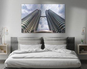 Twin towers in Kuala Lumpur van hugo veldmeijer