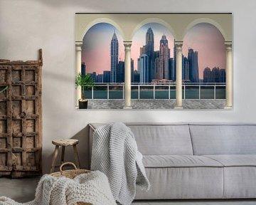 uitzicht over een grote stad met wolkenkrabbers van Rita Phessas