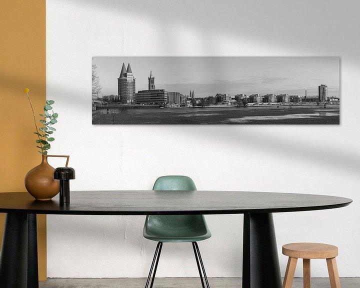 Sfeerimpressie: Een panoramisch view  van Roermond, Nederland is zwart-wit van Delano Gonsalves