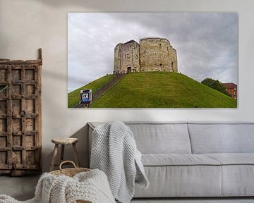 Clifford's Tower / York Castle is a ruined castle in the northern English city of York. von Babetts Bildergalerie