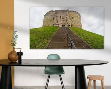 Clifford's Tower / York Castle is een ruïne van een kasteel in de Noord-Engelse stad York. van Babetts Bildergalerie