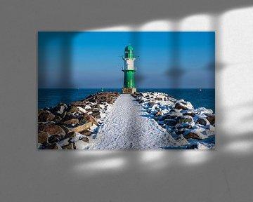 Mole an der Ostseeküste in Warnemünde im Winter. von Rico Ködder