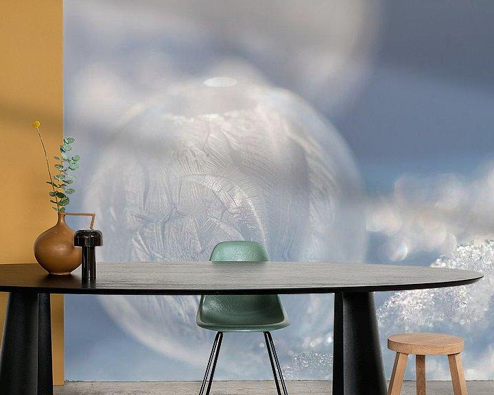 Sfeerimpressie behang: Bevroren Bellenblaas Bubbel bel van Wendy de Waal