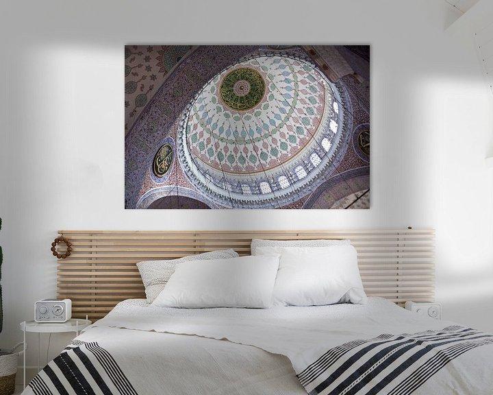 Impression: Intérieur du dôme de la Nouvelle Mosquée à Istanbul, Turquie, avec une belle mosaïque. sur Eyesmile Photography