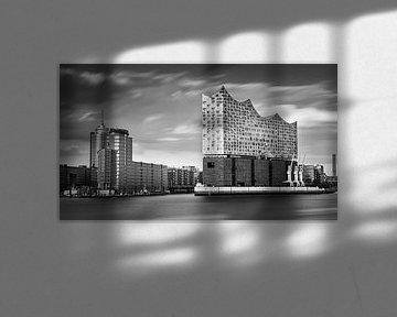 Die Elbphilharmonie in schwarz-weiß