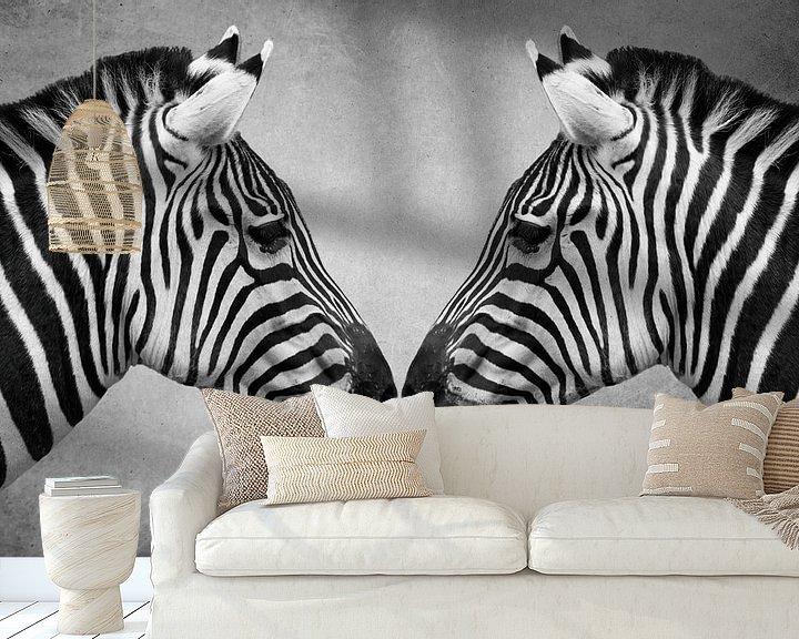 Sfeerimpressie behang: Portret Zebra in zwart-wit van Marjolein van Middelkoop
