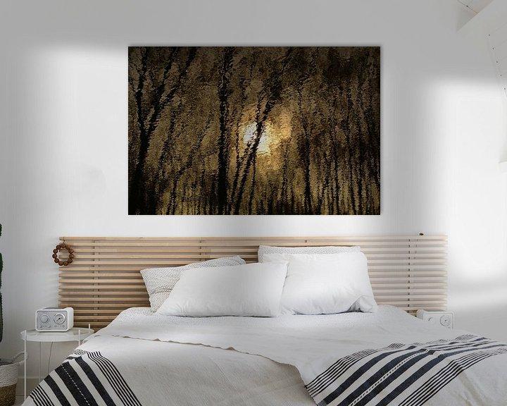 Impression: Réflexion du soleil et des arbres dans une eau ondulante sur Kristof Lauwers