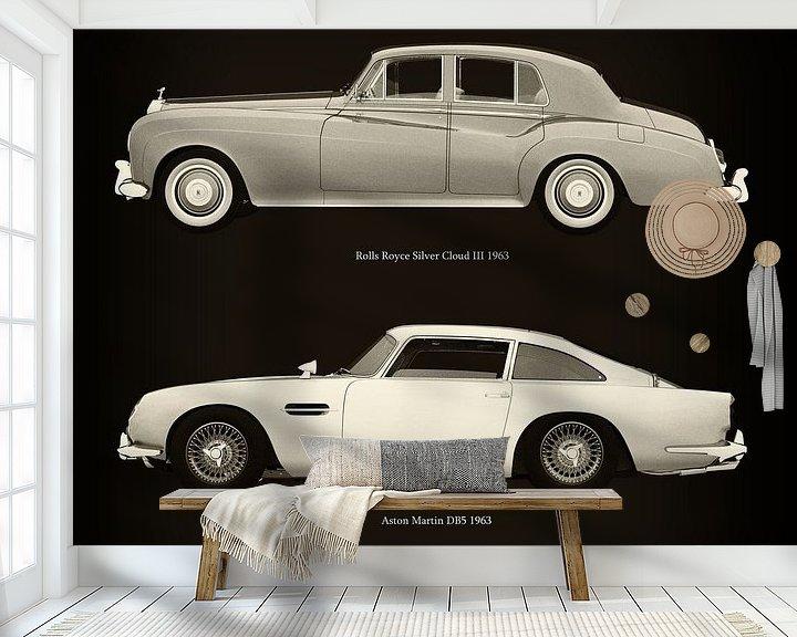 Sfeerimpressie behang: Rolls Royce Silver Cloud III 1963 en Aston Martin DB5 1963 van Jan Keteleer